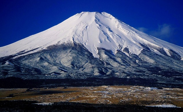 世界遺産富士山の頂上は私有地って知ってた?